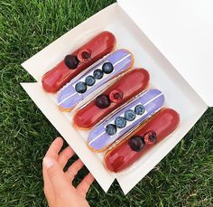 Ukrainian Bakery Creates Galaxy Eclairs That Look Too Good To Eat - Ukranian bakery creates eclairs so perfect eating them would be a crime