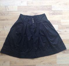 Pollera de gabardina negra #NineWest / Black skirt. Compra esta prenda online! www.saveweb.com.ar