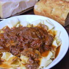 Slow-Braised Short Rib Pasta Recipe on Rib Recipes, Pasta Recipes, Crockpot Recipes, Dinner Recipes, Yummy Recipes, Pasta Plus, Lotsa Pasta, Ravioli Recipe