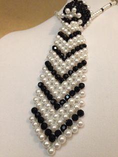 One more request completed. Bead Jewellery, Beaded Jewelry, Pearl Necklace, Beaded Necklace, Beaded Bags, Loom Bracelets, Chocker, Bead Weaving, Bracelet Watch