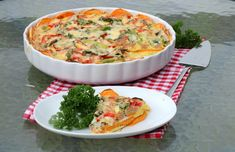 Middagspai med enkel søtpotetbunn - LINDASTUHAUG Quiche, Nom Nom, Food And Drink, Pizza, Vegetarian, Yummy Food, Cooking, Breakfast, Health