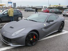 Photography spooted a matte grey Ferrari Berlinetta and took a photoshoot of it, check out the resulting photoset here! My Dream Car, Dream Cars, Matte Cars, Ferrari Berlinetta, Sports Car Photos, Car Manufacturers, Car Pictures, Cars Motorcycles, Matte Black