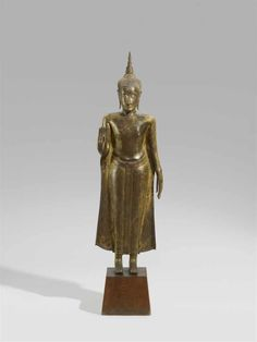 Bid Live on Lot 656 in the Asian Art including the Papp Collection of Netsuke II & 08 Dec Auction from Kunsthaus Lempertz. Standing Buddha Statue, Art Thai, Laos, The Saleroom, Bronze, Fantastic Art, Asian Art, Sculpture, Pearls