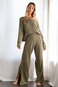 Estilo Cool, Vestido Dress, Loungewear Outfits, Loungewear Set, Mein Style, Mode Hijab, Loose Tops, Looks Cool, Lounge Wear