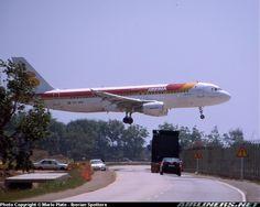 Airbus A320-214 de Iberia haciendo las pruebas de toma en El Prat ,gracias @emiliofolgar vía airliners.net