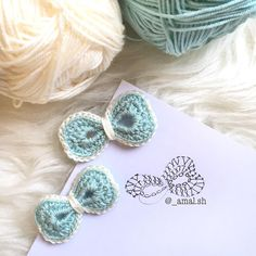 A world of inspiration for crafters! More than free knitting and crochet patterns and 1000 tutorial videos.Tina's handicraft : 36 patterns for sconces Crochet Bow Pattern, Crochet Bows, Crochet Flower Patterns, Crochet Motif, Crochet Yarn, Knitting Yarn, Crochet Flowers, Free Knitting, Free Pattern
