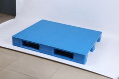 Rack able plastic pallets 1200x1000x150 mm. With a racking capacity of 1200 kgs.