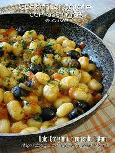 Potato gnocchi with anchovies and olives first course recipe - Potato gnocchi with anchovies and olives first course recipe - Seafood Recipes, Pasta Recipes, Cooking Recipes, Healthy Recipes, Italian Dishes Names, Antipasto, Italian Food Restaurant, Italy Food, Italian Pasta