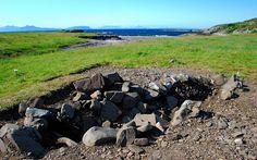 Ardnamurchan boat site, by Jon Haylett - Port an Eilean Mhòir boat burial - Wikipedia, the free encyclopedia