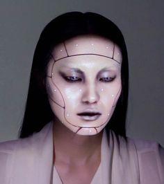 Une jolie démonstration de projection mapping 3D sur un visage et de face-tracking en temps réel réalisée par le collectif d'artistesOMOTE, composé de l'
