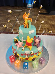 Wennie the Pooh and friends themed cake