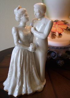 Lenox Victorian Wedding Cake Topper and Figurine. So pretty! Perfect for the… Victorian Wedding Cakes, Victorian Cakes, Wedding Stuff, Wedding Day, Wedding Promises, Groom Cake, My Perfect Wedding, Wedding Cake Toppers, Beautiful Cakes