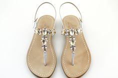 espressione di pura eleganza per questo modello total white. collezione dea sandals scopri su www.deasandals.com spedizione gratuita in italia
