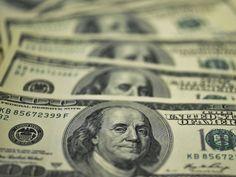Cidadão nenhum de bem, aguenta mais está mulher!  O dólar caiu quase 3% nesta segunda-feira e fechou no menor patamar em quase oito meses, abaixo de 3,50 reais. Euforia do mercado com perspe