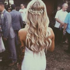 LOVE this simple bridal undo. maybe attach a very simple sheer veil to the hairpiece/under the braid