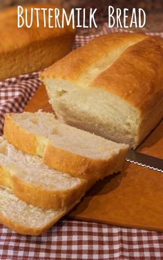 Buttermilk Bread - My Country Table- This tender and delicious Buttermilk Bread tastes SO much better than store bought bread and it's easier than you might think to make. Get the step by step tips over at My Country Table. Buttermilk Bread, Buttermilk Recipes, Cooking Bread, Bread Baking, Sandwiches, Tostadas, Bread Machine Recipes, Bread Recipes With Yeast, Tasty Bread Recipe