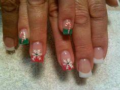 @pelikh_Christmas nails