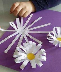 Bus Crafts, Diy Home Crafts, Craft Stick Crafts, Diy Crafts For Kids, Crafts To Make, Paper Crafts, Flower Crafts, Diy Flowers, Paper Flowers