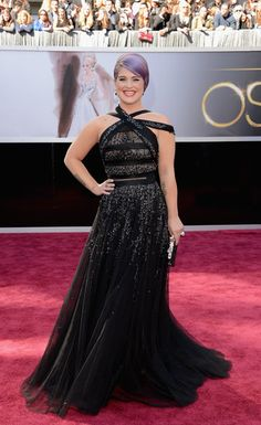 Kelly Osbourne in Tony Ward Couture at the 2013 Academy Awards #redcarpet #Oscars2013