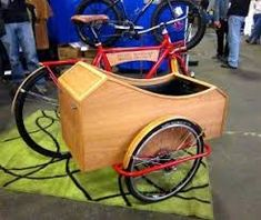 Bicycle Sidecar, Military Fashion, Military Style, Cargo Bike, Wheelbarrow, Project Ideas, Dogs, Camper, Cycling