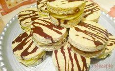 Originelle Biskuit-Häppchen mit Vanillecreme