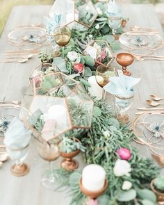 Dreamlike wedding table decoration ideas for your wedding planning - Wedding / Hochzeit - mariage Wedding Table Garland, Table Wedding, Table Setting Wedding, Wedding Receptions, Dream Wedding, Wedding Day, Wedding Desert, Autumn Wedding, Spring Wedding
