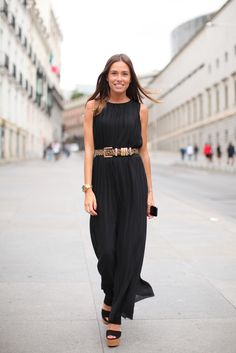 A little black dress Fashion Mode, Look Fashion, Fashion Beauty, Womens Fashion, Look Street Style, Street Chic, Look Style, Street Wear, Dress Skirt