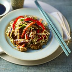 Cook this authentic Chinese chow mein in less than ten minutes, adding any crisp seasonal vegetables you fancy. Chicken Chow Mein Recipe Easy, Chicken Recipes, Chicken Meals, Teriyaki Chicken, Roast Chicken, Healthy Chicken, Asian Recipes, Healthy Recipes, Ethnic Recipes