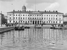 Valokuvaaja I.K. Inha kierteli kesällä 1908 Helsingin keskustaa ja nappasi nämä nostalgiset kuvat. Katso ihanat tunnelmat ja lähetä oma kuvasi, jos...