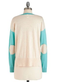 THIS IS JUST AN EXAMPLE SWEATERS Plusgood if it's got a cool pattern or those sleeve thingies on the sides! Size large is usually good! Medium if it's in older people sizes