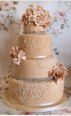 Vintage Glam Weddings   Gorgeous Wedding Cakes