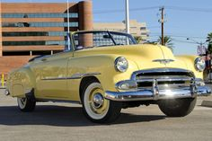 A 1951 Chevrolet Styleline DeLuxe Convertible Coupe once owned by the actor Steve McQueen is set to cross the auction block.