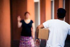 PiggyBaggy palvelussa voit tarjota kuljetettavaksi ja tarjoutua kuljettamaan toisten ihmisten tavaroita ja paketteja yhdessä sovittavaa korvausta vastaan.