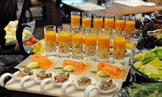 There are lots of choices for brunch: all sizes, flavors, and languages. Picnic Menu, Brunch Menu, Sunday Brunch, Brunch Ideas, Brunch Party, Breakfast Menu, Fingerfood Party, Party Finger Foods, Brunch Wedding