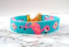 Loom Bracelet Patterns, Bead Loom Bracelets, Bead Loom Patterns, Beaded Jewelry Patterns, Bird Jewelry, Seed Bead Jewelry, Seed Beads, Cute Friendship Bracelets, Friendship Bracelet Patterns