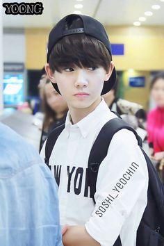 Korean Boys Hot, Korean Boys Ulzzang, Ulzzang Kids, Korean Babies, Asian Kids, Asian Men, Beautiful Boys, Pretty Boys, I Hate Boys