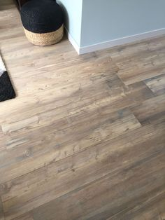 Wood Plank Flooring For Your Home! Wood Plank Flooring, Wood Planks, Hardwood Floors, Cute Furniture, Furniture Design, Chalet Style, Bedroom Bed Design, Painted Floors, Floor Finishes