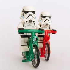 ¡Deja el lado oscuro y pásate al vehículo del futuro!  . Adiós al coche... https://sabaticrab.com/adios-al-coche/  #StarWars #stormtrooper #Bike VS #CAR