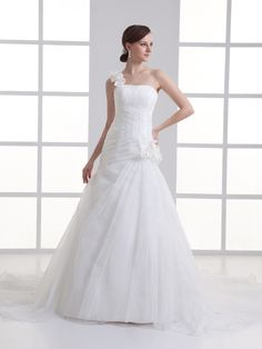 One Shoulder Organza over Satin Wedding Dress with Floral Detail and Chapel Train Brands:AmarantaFreeship:YESFabric:Satin/OrganzaFabric(main):WeddingTailoring Time (Standard):15-20 DaysTailoring Time (Rush Order):10-15…