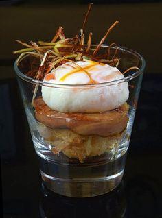 Spanish food #Huevo roto #Pintxos | https://lomejordelaweb.es/
