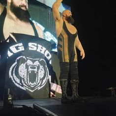 wwe The world's largest athlete @wwethebigshow is ready for action. #WWELongBeach. Long Beach, California 2017/02/20 12:51:47