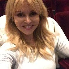 Exclusive #moviescreening at 20th Century Fox. Little perk of #actorslife  . . #actresslife #actors #selfie #selfies #movietheater #moments #nothingisordinary #nofilter #acting #thehappynow #california #hollywood #visualsoflife #ilovela #smile #hunterphoenix