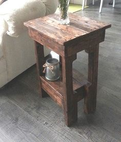 Easy Little End Tables in 2 Hours : 5 Steps (with Pictures) - Instructables Pallet End Tables, Rustic End Tables, Diy End Tables, Diy Table, Patio Table, Wood Table, Wood Patio, Diy Patio, Side Tables