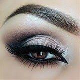 Motives Eyeshadow Palette