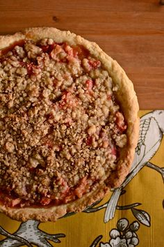 Strawberry rhubarb crumble pie recipe