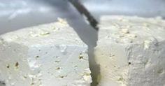 Υγεία - Έξυπνο τρικ για να μη μουχλιάσει ποτέ ξανά το τυρί στο ψυγείο σας! Για να μην πάει τίποτα ξανά χαμένο… Πόσες φορές έχεις ξεχάσει ακάλυπτο το τυρί στο Mr Pringles, Yogurt, Greek Recipes, Food Hacks, Food Tips, Cooking Tips, Food Processor Recipes, Food And Drink, Tasty