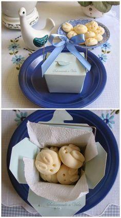 Biscoitinhos de leite condensado e amido (versão Páscoa) e Outras Mesas para a Páscoa de 2014