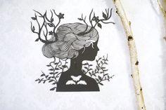 Œuvre de coupe papier, à la main coupée, papier art original « Cornes de renne » découpage du papier de couleur gris foncé, art silhouette par Eugenia Zoloto