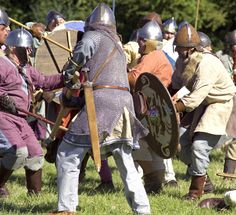 Anglo-Saxon Clothing | battle between 'Anglo-Saxons' and 'Vikings'. It's staged by 're ...