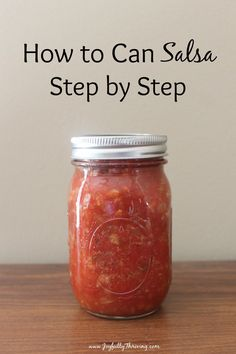 How to Can Salsa - A Delicious & Easy Salsa Recipe How to Can Salsa with Step by Step Directions - This easy salsa recipe is sure to become a family favorite! Salsa is easy to can and enjoy year round. Canning Homemade Salsa, Salsa Canning Recipes, Canning Salsa, Canning Tips, Pressure Canning Recipes, Easy Homemade Salsa, Canning Pickles, Pickles Recipe, Fresh Tomato Recipes